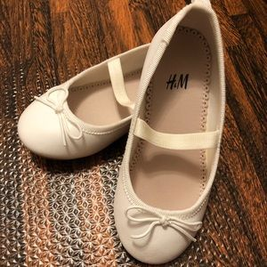 Like new H&M shoes sz 7.5 toddler